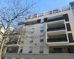 T5 Duplex dernier étage - 44 rue Charles de Gaulle - ST ETIENNE
