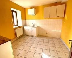 Maison en pierre - 43140 SAINT-VICTOR-MALESCOURS