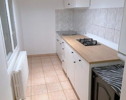 T3 - 18 PLACE FOURNEYRON 42000 ST ETIENNE