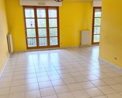 T2 + PARKING - 9 PLACE DU BICENTENAIRE 42100 ST ETIENNE